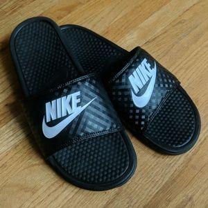 Nike slides NWOT